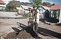 Collectie Nationaal Museum van Wereldculturen TM-20029483 Het maken van stenen voor het bouwen van een woning Sint Eustatius Boy Lawson (Fotograaf).jpg