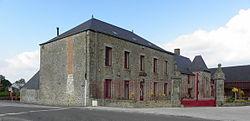 Commer (53) Mairie.jpg