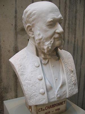 Hilaire de Chardonnet - Hilaire de Chardonnet sculpture by his daughter Anne de Chardonnet