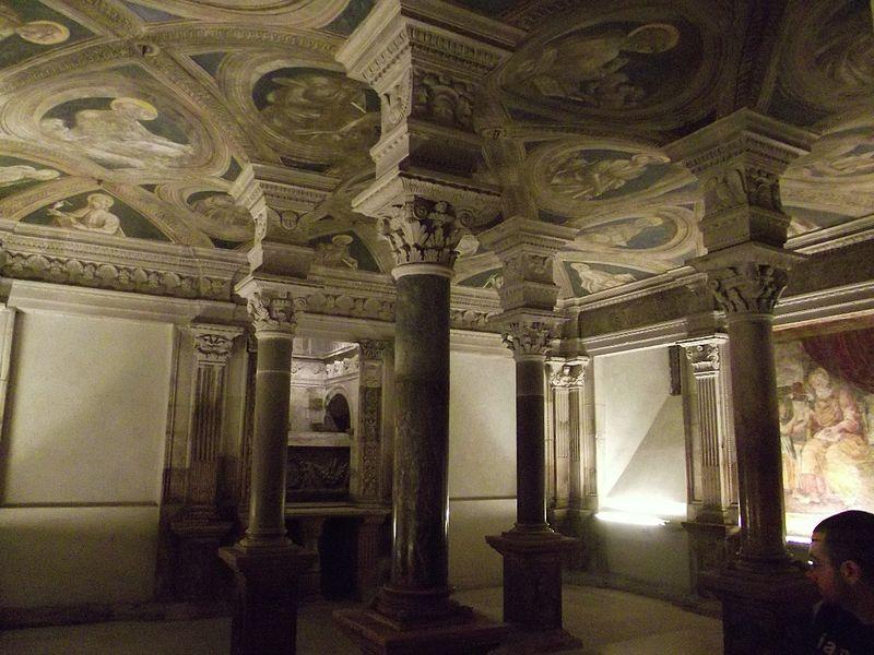 File:Cripta della Cattedrale di Acerenza 04.JPG