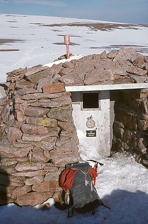 Cairngorm Plateau Disaster - Curran shelter in February 1975