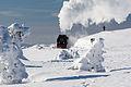Dampfzug am Brocken in Winterlandschaft.jpg