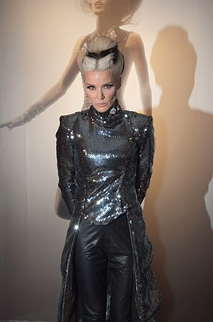 Daphne Guinness - Image: Daphne Guinness at FIT