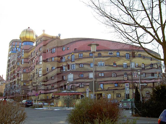 file:darmstadt-waldspirale-hundertwasser0 - wikimedia commons