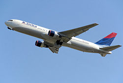 Delta b767-300 n190dn takes off from heathrow arp.jpg