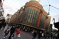 Den Haag - De Bijenkorf (39790930502).jpg