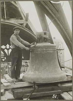 Bourdon (bell) - The Bourdon bell by Caspar and Johannes Moer in Grote of Sint-Laurenskerk (Alkmaar).