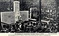 Die Enthüllung des Grabdenkmals für Albert Traeger in Berlin, 1912.jpg