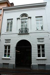 Diephuis, brouwerij, thans winkelpand, empirestijl - Wollestraat 25 - Brugge - 29952.JPG