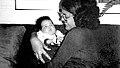 Dilma Rousseff segurando a filha Paula.jpg