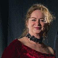 Donna Maree Hanson - Portrait photoshoot at Worldcon 75, Helsinki, before the Hugo Awards 2017 (cropped).jpg