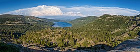 Donner Lake visto dal Donner Pass.jpg