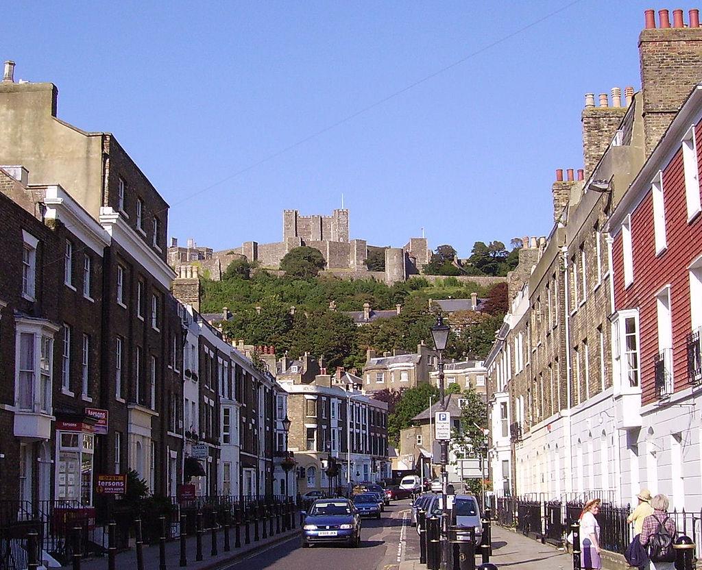Par ordre alphabétique, des villes et des villages . - Page 2 1024px-Dover_Castle_01