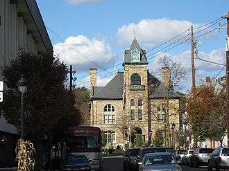 Stroudsburg, Pennsylvania - Image: Downtown courthouse