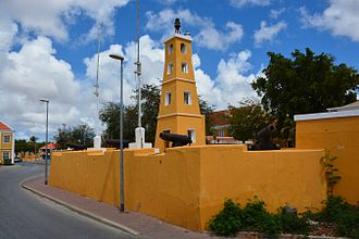 Kralendijk - Image: Dutch fort at Kralendijk (Bonaire 2014) (15507646070)