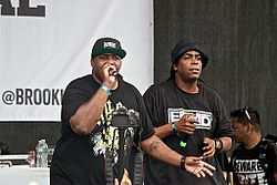 Erick Sermon (links) und Parrish Smith (rechts) 2013 auf dem Brooklyn Hip-Hop-Festival