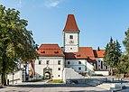 Eberndorf Kirchplatz 1 Augustinerchorherrenstift S-Ansicht 28082018 4361.jpg