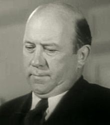 Edgar Kennedy in Everything's on Ice.jpg