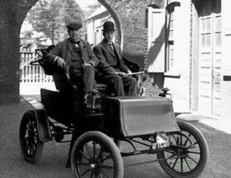 Studebaker Electric - Thomas Edison on his 1903 Electric Studebaker