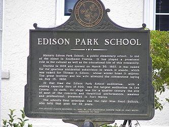 Edison Park Elementary School sign.jpg