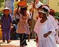 Enfants en habits tradtionels Songhay et Peul du Mali.jpg