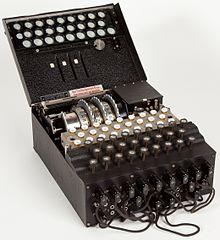 220px-Enigma_%28crittografia%29_-_Museo_scienza_e_tecnologia_Milano.jpg