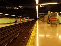 Estación de Alonso Cano, uno de los andenes, Línea 7, Madrid, España, 2015.JPG