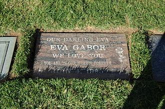 Eva Gabor - Gabor's grave