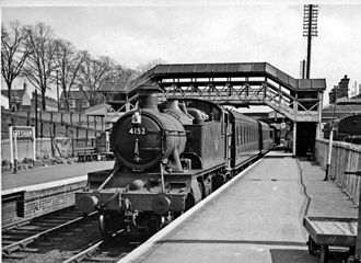 Evesham railway station - Down local train at the former OWW station in 1959
