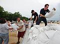 FEMA - 36025 - Resident prepare sandbags in Missouri.jpg