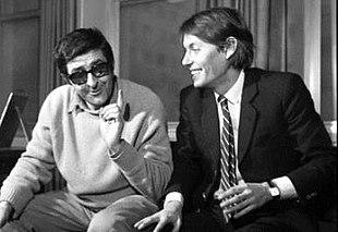 Fabrizio De André con il poeta Riccardo Mannerini, che collaborò all'album del 1968 Senza orario senza bandiera
