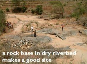 Sand dam - Image: Find a rock base