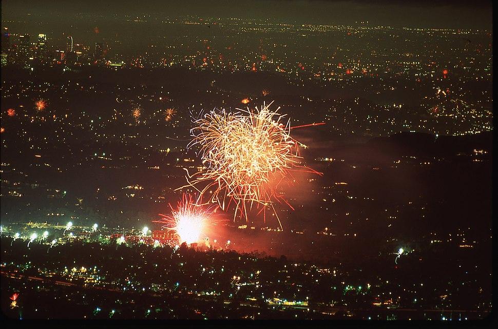 Fireworks over the Rose Bowl 20140704