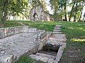 Fountain and Kövesd's ruins. - Aszófő, Hungary.JPG