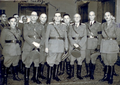 Général Perviz avec l'Etat majeur de l'Armée albanaise, 1943.png