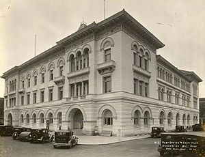 Tomochichi Federal Building and United States Courthouse - The courthouse as it stood in 1932, following renovations.