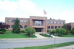 Garfield Heights city hall.jpg