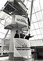 Gedeputeerde G. de Boer hijst de vlag, i.v.m. het hoogste punt van het zwemparadiijs Vendorado. Directeur Mr. Kruijff en Ir. van der Meer van de Hollandse Beton Mij. Aangekocht in 1989 van United Phot.JPG