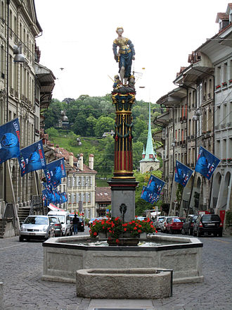 Gerechtigkeitsbrunnen (Bern) - The fountain as seen from the west