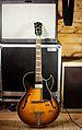 Gibson 1959 VOS ES-175.jpg