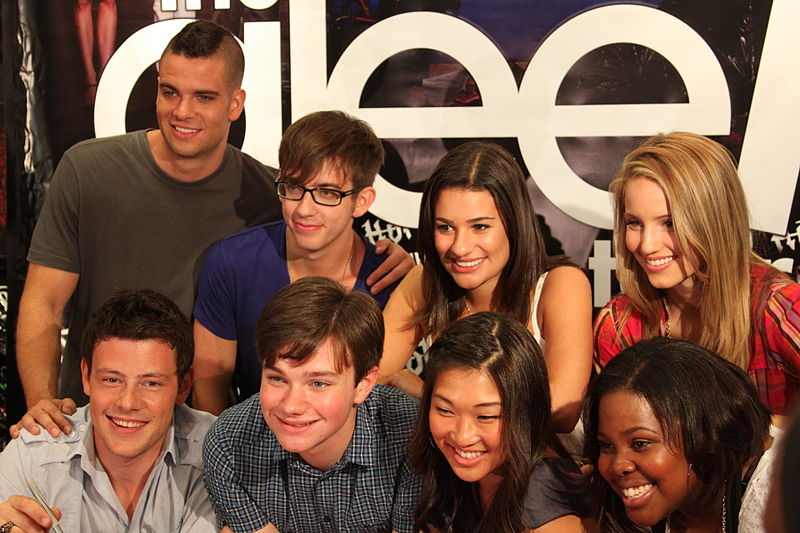 File:Glee cast.jpg
