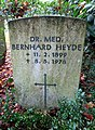 Grab Bernhard Heyde FriedhofOhlsdorf (2).jpg