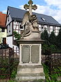 Grabstein neben der Kirche in Eichicht 1 (Rückseite).JPG