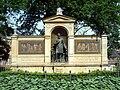 Graefe Denkmal von R Siemering 1.jpg