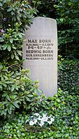 Grave of Max Born at Stadtfriedhof Göttingen 2017 01.jpg