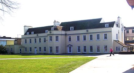 Dunstable's Grove House GroveHouse.jpg