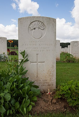 Raymond Asquith - Asquith's grave in Guillemont Road Cemetery