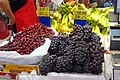 HK 荃灣 Tsuen Wan 川龍街 Chuen Lung Street July 2018 IX2 Kai Bo Food market Grapes.jpg