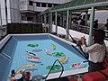 HK 香港南區 Southern District 薄扶林道 Pokfulam Road 瑪麗醫院 Queen Mary Hospital 3D立體地畫 painting golden fish blue pool June 2019 SSG 02.jpg
