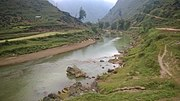 Ha Giang rivers between the mountains in 2014 02.jpg